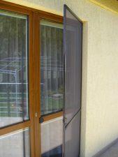 Moskitiera drzwiowa